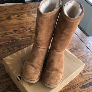Ugg Kenly Women's size 9 winter boot